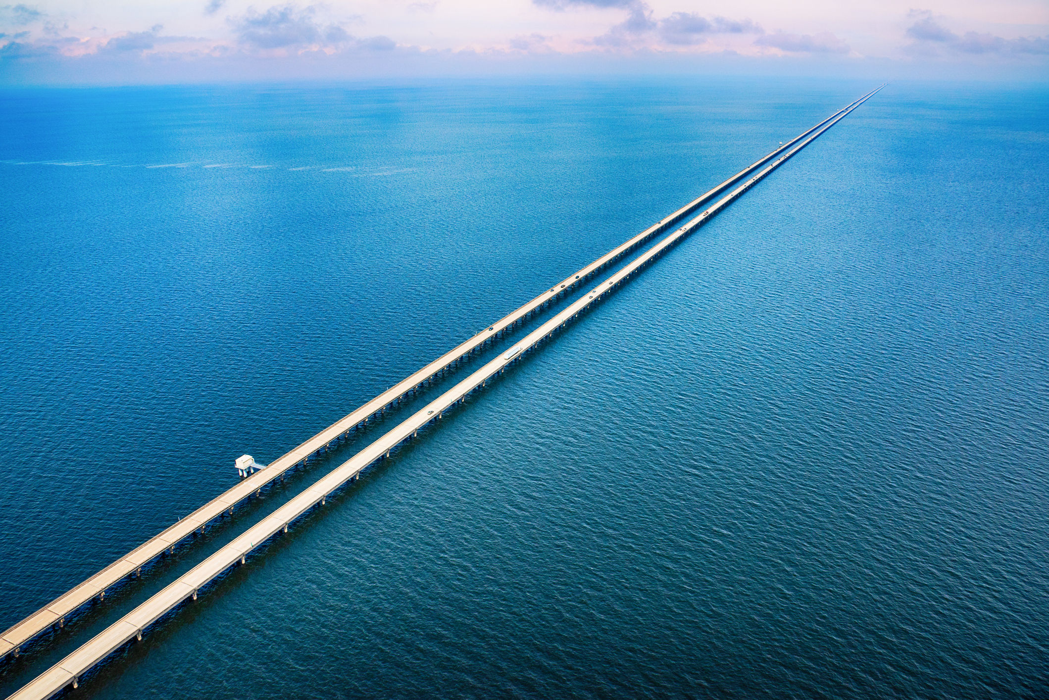 08 - Puente calzada del lago Pontchartrain-EEUU_iStock-1048677266_imagen8