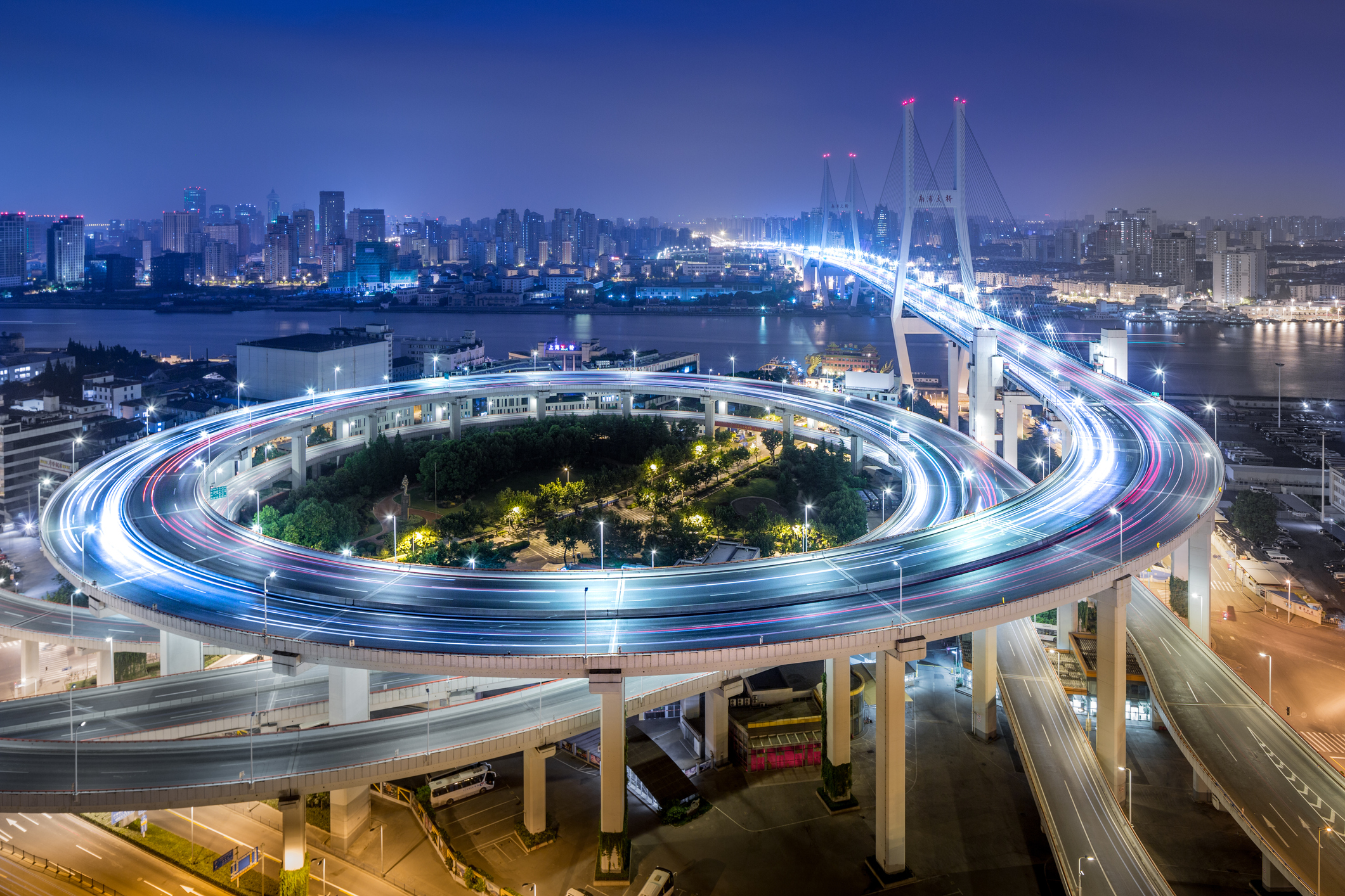 08 - Puente de Nanpu-China_iStock-544101220_imagen5