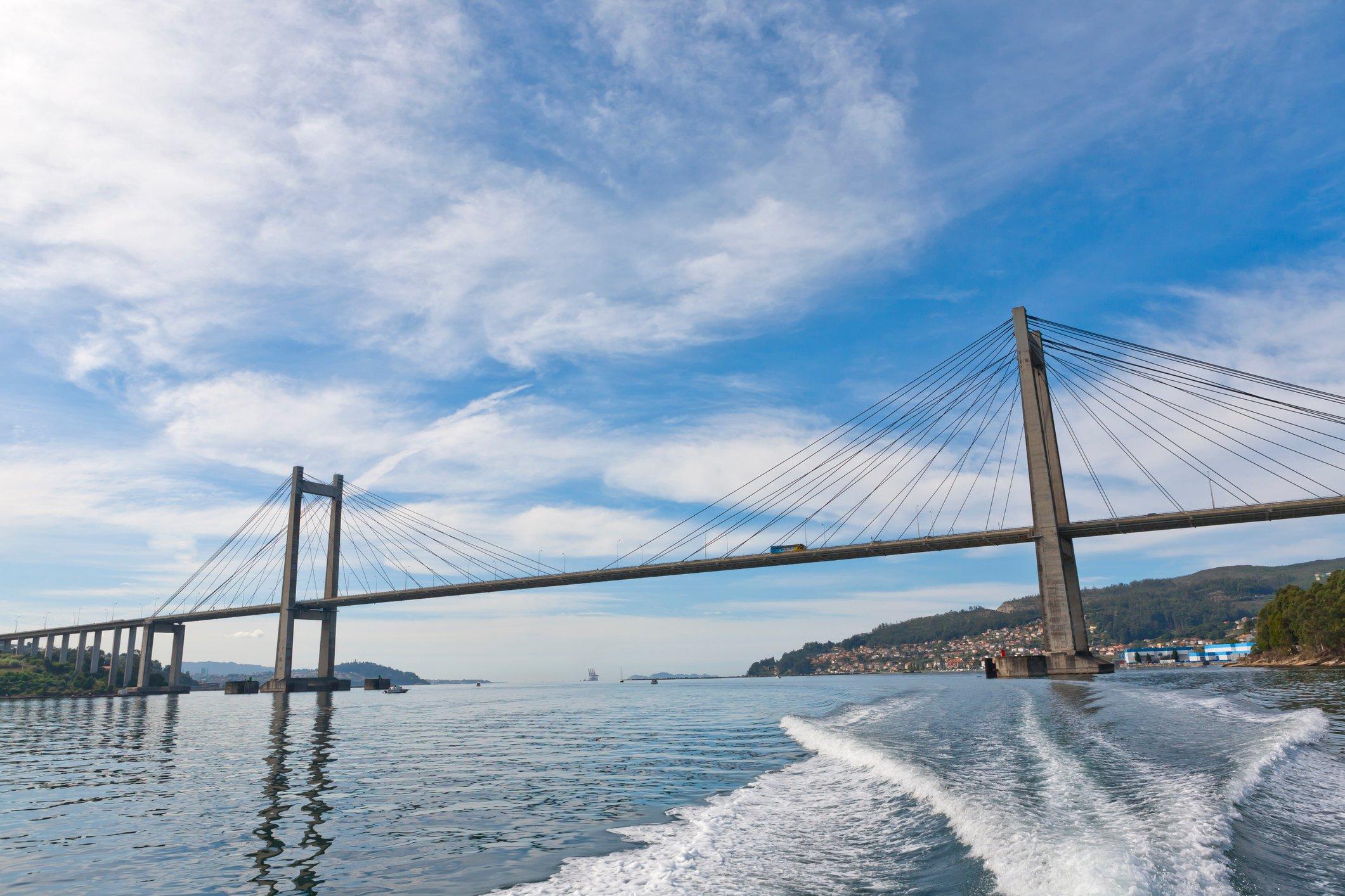 08 - Puente de Rande-Espana_iStock-497632380_imagen4