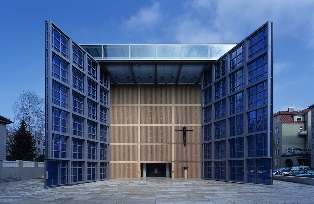 Herz Jesu Church 2002 in Munich
