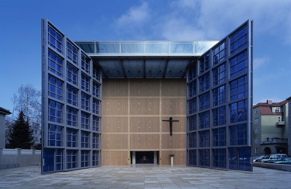 Herz Jesu Church 2002 in Munich