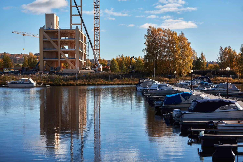 """""""Mjøstårnet"""" (Mjøsa-Tower)"""