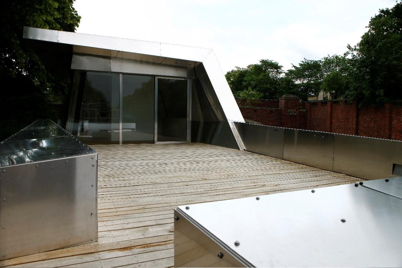 Büroschiff mit Terrasse