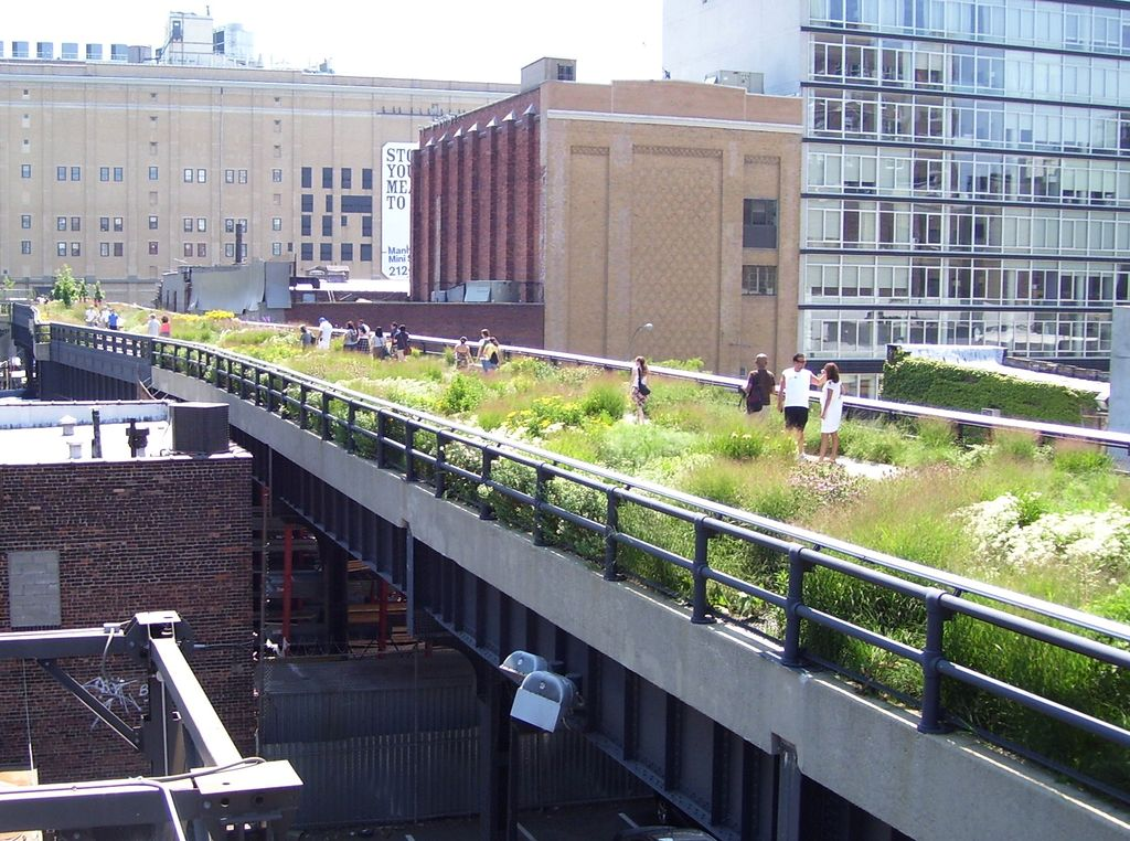 1024px-High_Line_20th_Street_looking_downtown