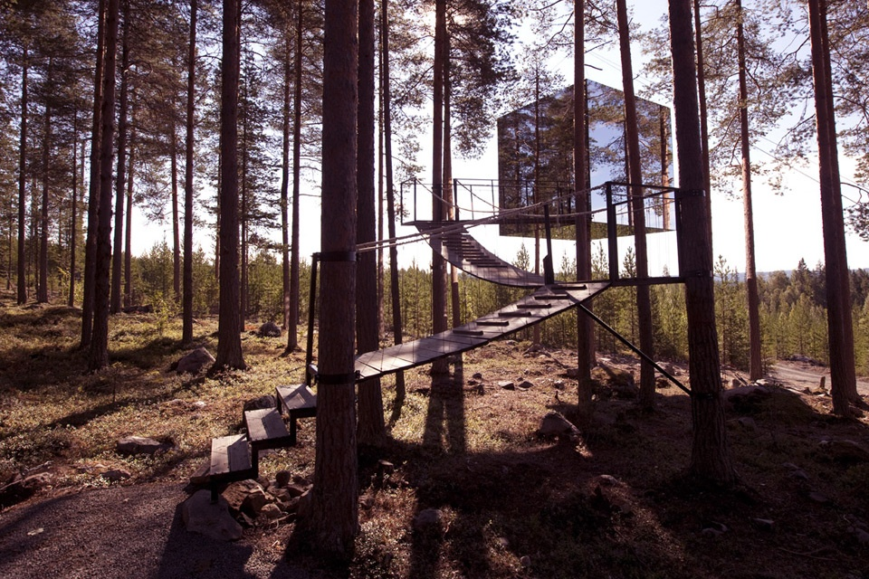 The Mirror Cube, Sweden