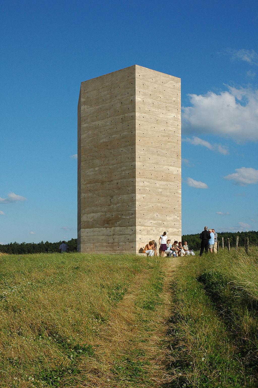 1024px-Wachendorf-Feldkapelle-Bruder-Klaus
