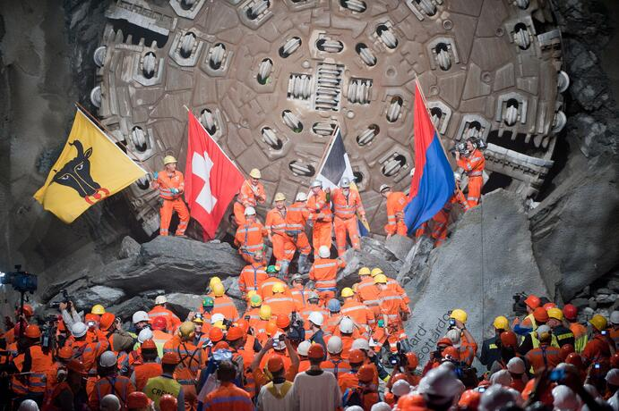 Gotthard-Basistunnel2_page_201611.jpg