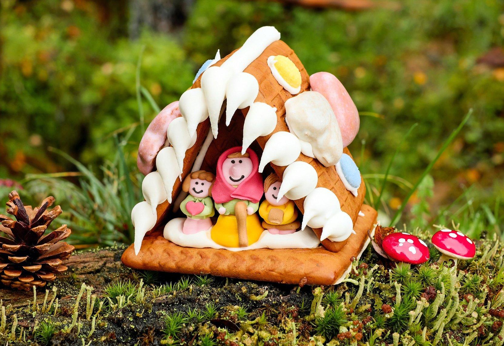 Lebkuchenhaus mit Bewohnern
