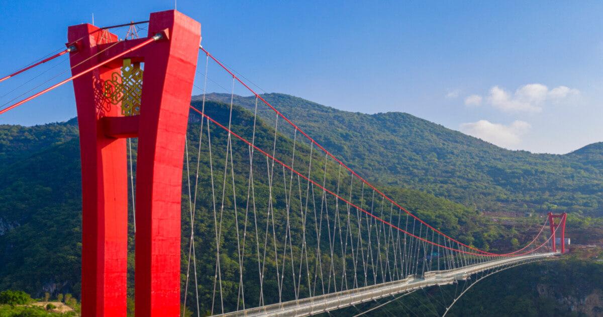 Schwerelos: Längste Glasbrücke der Welt