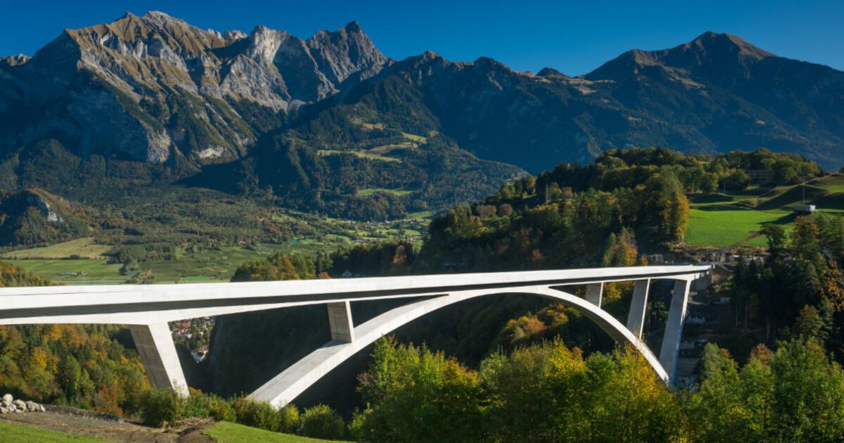 The Efficiency of BIM for Bridges