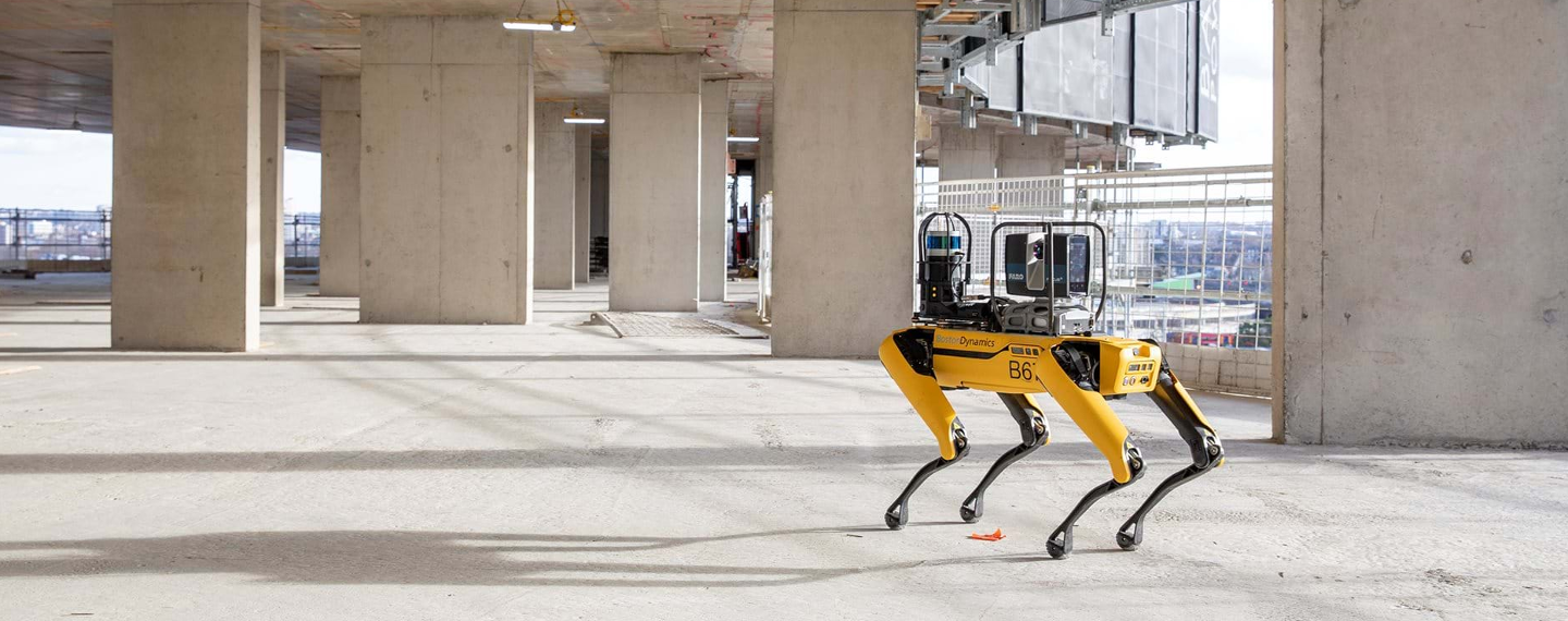 Construction monitoring by robots